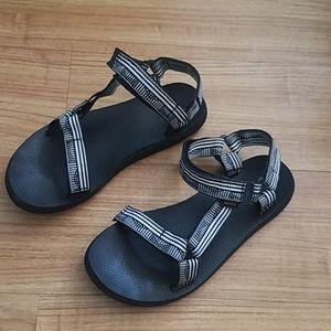 Teva sandals for Women's size 8